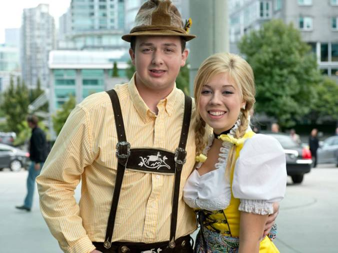 Jennette McCurdy Dirndl